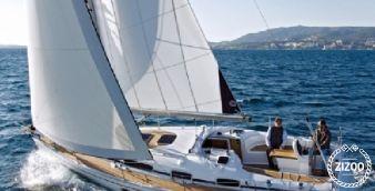 Sailboat Bavaria Cruiser 34 2009