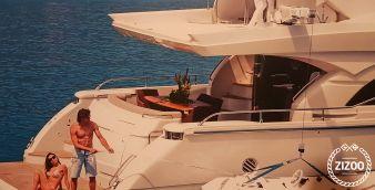 Barca a motore Dominator 68 2008