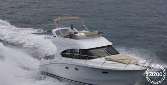 Motor boat Beneteau Antares 36 2016