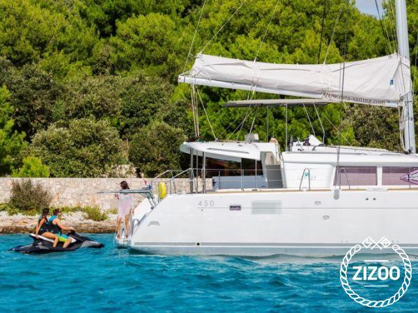 Catamarano Lagoon 450 Luxury (2016)-1