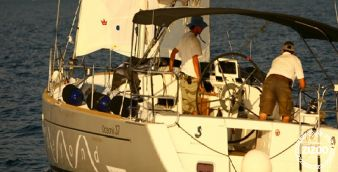 Sailboat Beneteau Oceanis 37 2013