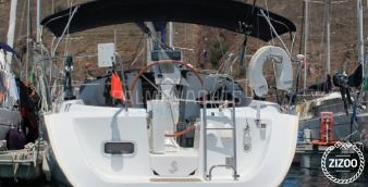 Sailboat Beneteau Oceanis 323 2006
