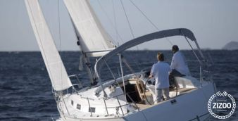 Sailboat Bavaria Cruiser 32 2011