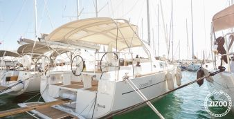 Sailboat Beneteau Oceanis 38 2015