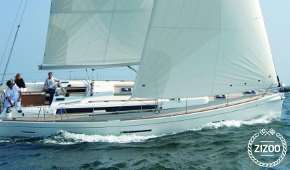 Sailboat Dufour 450 (2015)