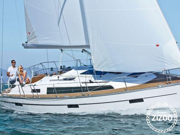 Sailboat Bavaria Cruiser 37 (2017)-0