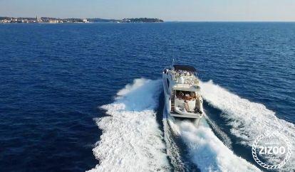 Barco a motor Dominator Nuvari 63 S (2003)