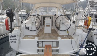 Sailboat Beneteau Oceanis 35 (2016)