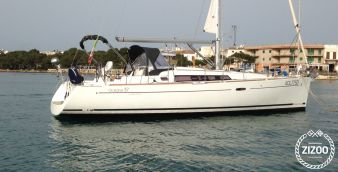 Sailboat Beneteau Oceanis 37 (2013)