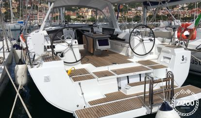 Sailboat Beneteau Oceanis 45 (2017)