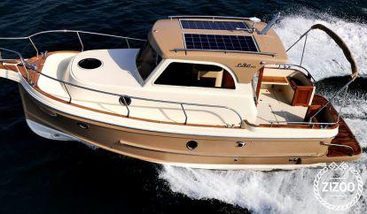 Barco a motor Leidi 800 (2014)