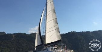 Catamaran Fountaine Pajot Lavezzi 40 (2005)