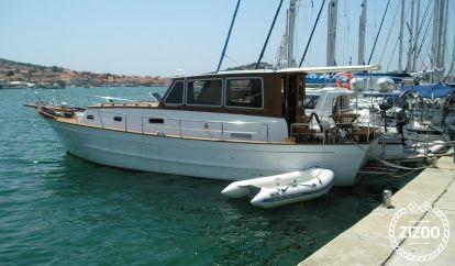 Barco a motor Gangaro Gangaro MU 13 (2006)