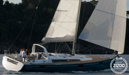 Sailboat Beneteau Oceanis 48 (2016)