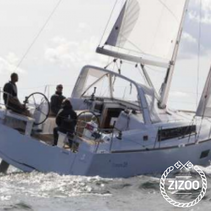 Sailboat Beneteau Oceanis 45 (2019)