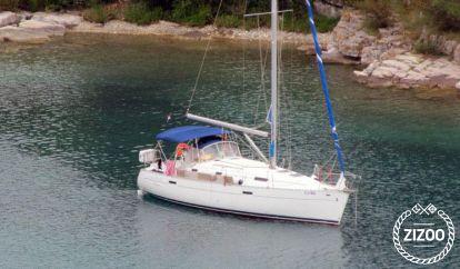 Sailboat Beneteau Oceanis 331 (2003)