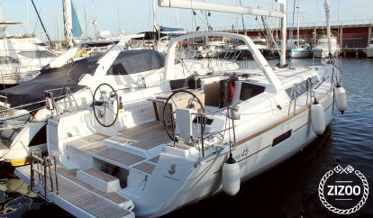 Sailboat Beneteau Oceanis 45 (2019)