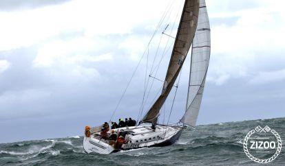 Sailboat Beneteau First 47.7 (2016)