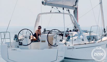 Sailboat Beneteau Oceanis 35.1 (2019)
