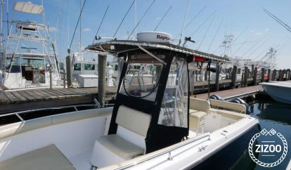Speedboat Century Boats 2600 Center Console (2006)