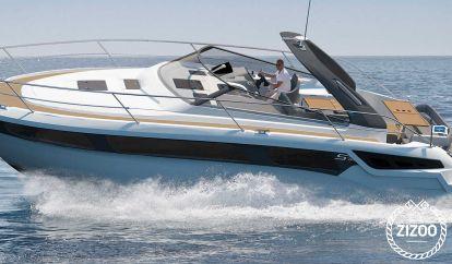Motor boat Bavaria S36 (2019)