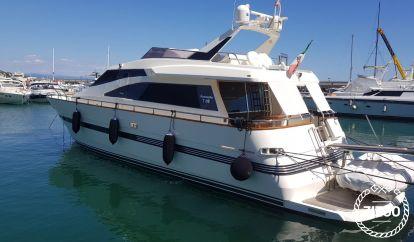 Barco a motor TECNOMARINE T 62 (2003)