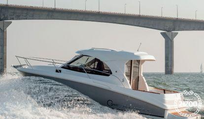 Barco a motor Beneteau Antares 8 (2019)