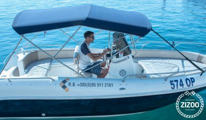 Barco a motor Fisherman  (2007)