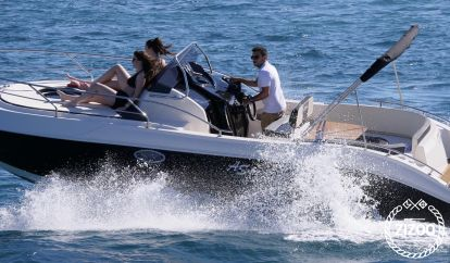 Barco a motor AS Marine 25  GT (2019)