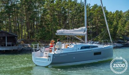 Sailboat Beneteau Oceanis 30.1 (2020)