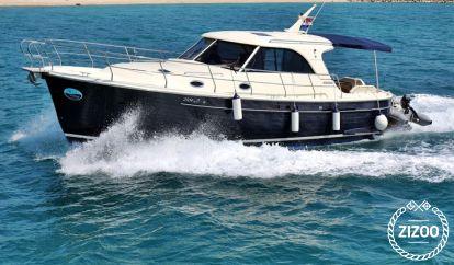 Motor boat Sas Vektor Adriana 44 (2012)