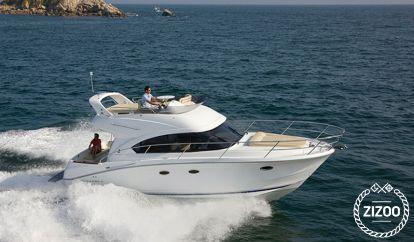Motor boat Beneteau Antares 36 (2017)