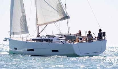 Sailboat Dufour 390 (2020)