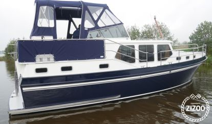 Barco a motor Privateer 37 (2000)