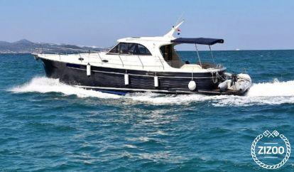 Barco a motor Sas Vektor Adriana 44 (2020)