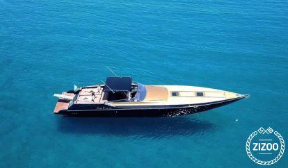 Motor boat Benetti 100 (1990)