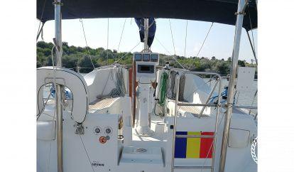 Sailboat Beneteau Oceanis Clipper 393 (2005)