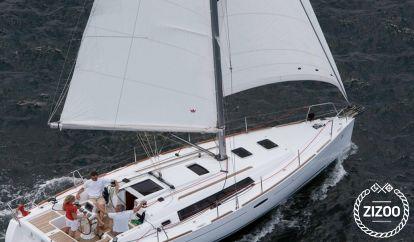 Sailboat Beneteau Oceanis 34 (2010)