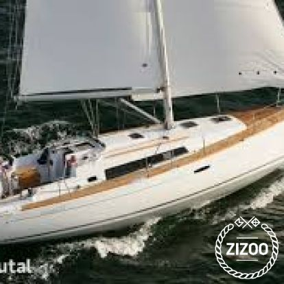 Sailboat Beneteau Oceanis 37 (2012)