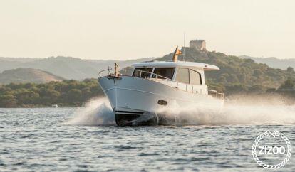 Barco a motor Sasga 34 (2020)