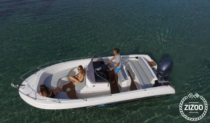 Speedboat Pacific Craft 670 Open (2020)