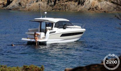 Motor boat Jeanneau NC 33 (2019)