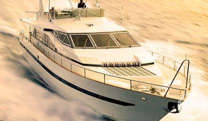 Motor boat Azimut Utltimate 82 (1994)