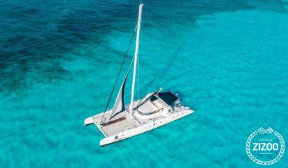 Catamarán Custom Built (2015)