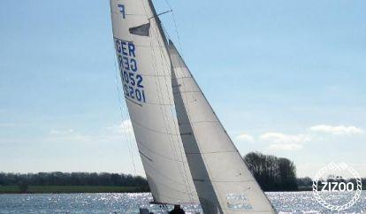 Sailboat GFK-Folkeboot GER 667 (1993)