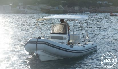 Speedboat Valiant 570 (2010)