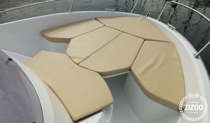 Motorboot Beneteau 650 Sun Deck (2010)