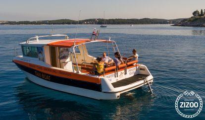 Motor boat Custom Built (2002)