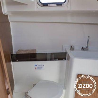 Motorboot Beneteau Antares 8 OB (2019)