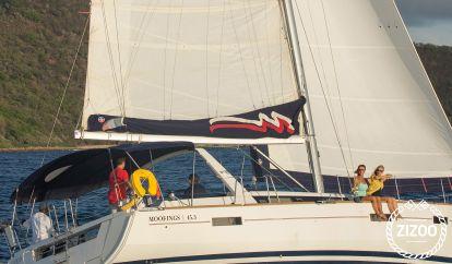 Sailboat Beneteau Moorings 453 (2016)